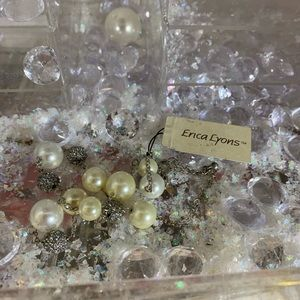 NWT Erica Lyons special sparkly pearl necklace